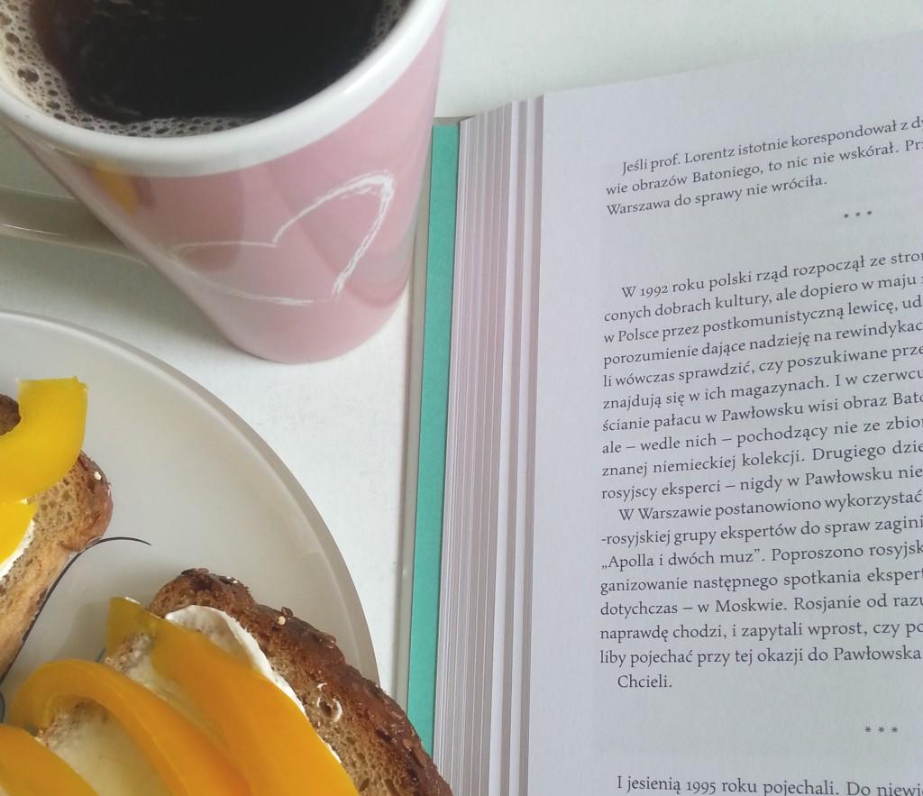 jem przy czytaniu